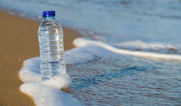 beber mucha agua sirve para bajar de peso